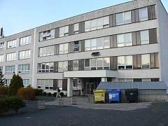 Budova, kde sídlilo gymnázium ve Frenštátě pod Radhoštěm.