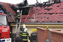 Po požáru zbyla jen spoušť. K žádnému zranění však naštěstí nedošlo.