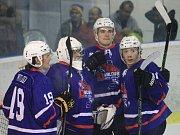 Novojičínští hokejisté doma vyhráli i třetí utkání v sezoně.