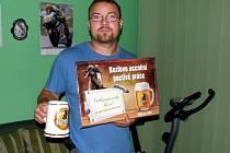 Šikovný automechanik vyhrál pivo na rok zdarma. O vítězi rozhodli svými hlasy naši čtenáři.