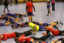 Extraligoví házenkáři Kopřivnice, kteří postoupili po dlouhých osmi letech do play-off, ve kterém vypadli ve čtvrtfinále s Lovosicemi, se mohli v sobotu radovat z úspěšně zvládnutého dvojutkání proti Frýdku-Místku.