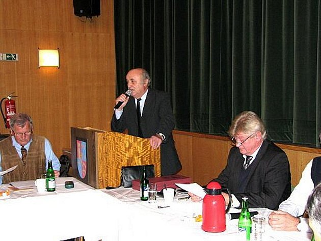 Ve Fulneku ve čtvrtek volili nového starostu. Josefa Dubce, jenž rezignoval ze zdravotních důvodů, nahradil ve funkci Jiří Dener.