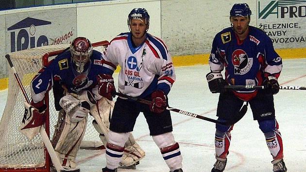 Hokejisté Nového Jičína se poprvé v nové sezoně II. ligy představili domácímu publiku a hned z toho byly tři body za vítězství 1:0 nad Karvinou.