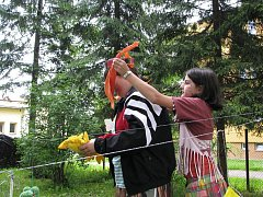 Školáci strávili dětský den s hendikepovanými.