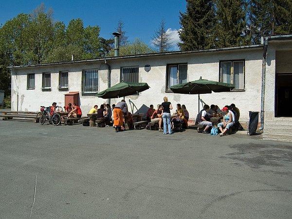 Minipivovar Slezan je oblíbeným cílem cyklistů ipěších návštěvníků.
