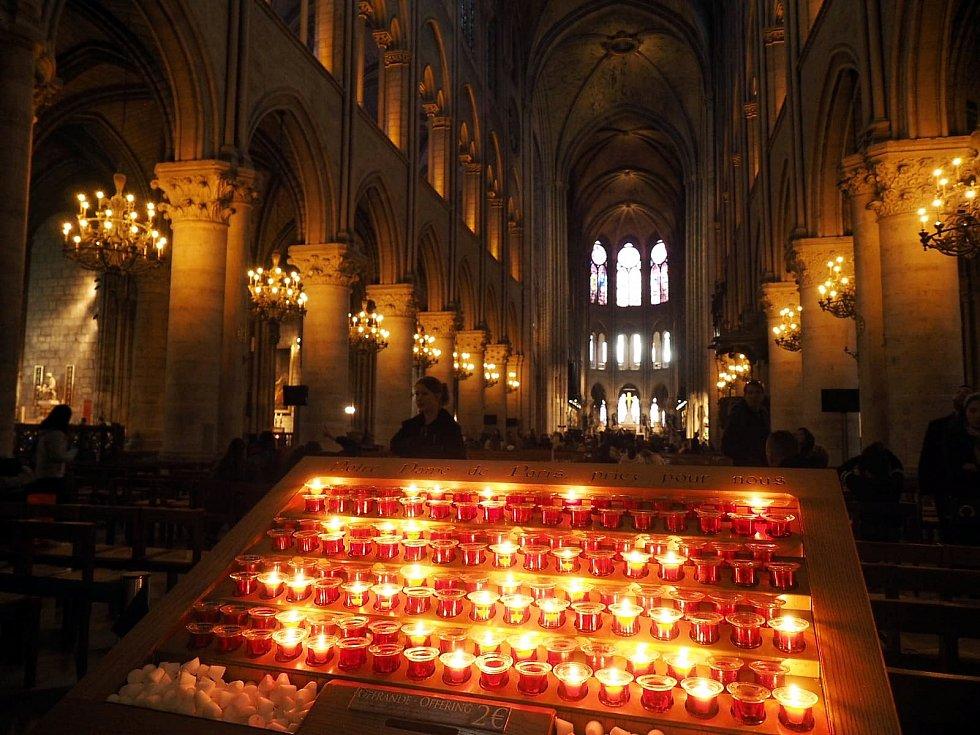 Novojičínskému sboru se podařilo několik hodin před požárem katedrály Notre-Dame pořídit i pár fotografií z interiéru chrámu.