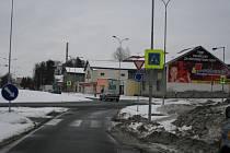 Policie žádá občany o pomoc při vyšetřování dopravní nehody, která se udála v prosinci na kruhovém objezdu v Kopřivnici.