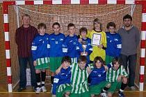 Fotbalisté TJ EPO Frenštát pod Radhoštěm se stali vítězi halového turnaje starších žáků ve Štramberku.