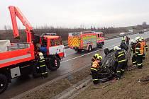 Zásah hasičů při nehodě u Kujav.