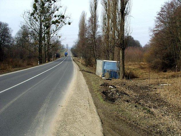 Policisté zjistili, že v neděli 14. března ji výtečník převážel mezi patnáctou až sedmnáctou hodinou po silnici I/47 mezi obcemi Bravantice a Bílovec.