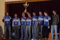Putovní pohár pro vítězný tým získali cyklisté CK Frenštát pod Radhoštěm 1.