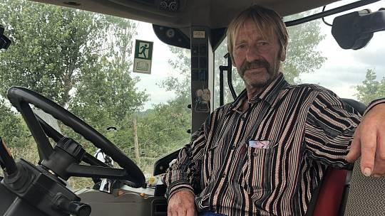 Dlouhověký traktorista z Hlavnice, který za volantem stroje strávil 48 let