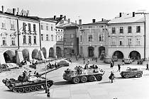 Okupační vojsko na náměstí v Příboře. Foto: archiv města Příbor