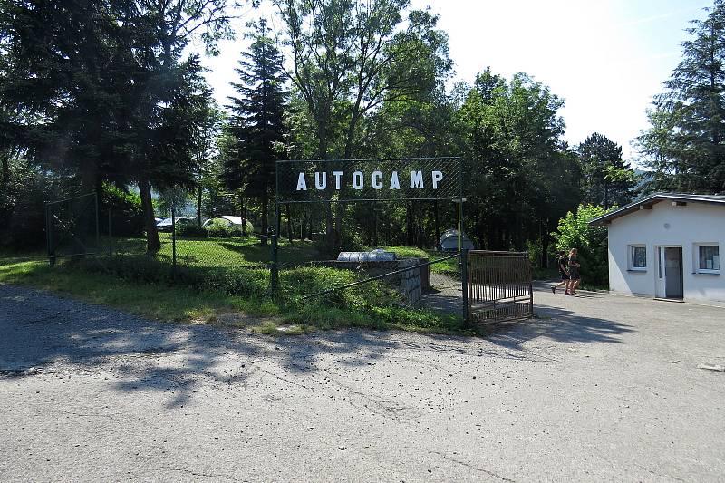 Autokemp v Mořkově je v klidném pěkném prostředí.