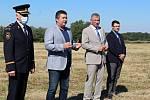 Stavbu nové centrální hasičské stanice včera slavnostně zahájili zastupci novojičínských hasičů, zástupci města, zástupce dodavatele,  Moravskoslezský hejtman Ivo Vondrák a ministr vnitra Jan Hamáček.