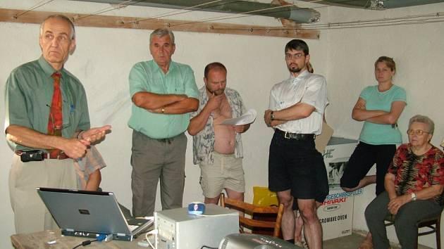 Rozhořčení nájemníci na Bařinách zvažují petici i návštěvu zastupitelů města.