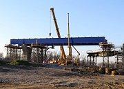 Výstavba mostu na silnici I/48 u Libhoště na Novojičínsku.