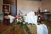 Zámek v Kuníně a příprava na akci Růže pro paní hraběnku - snímek z 27. září 2017.