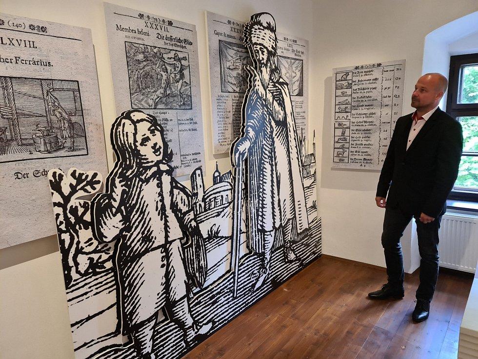 Expozici si prohlédl i náměstek moravskoslezského hejtmana pro kulturu a památkovou péči Lukáš Curylo.