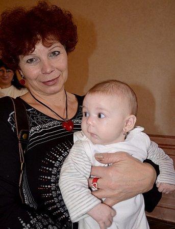 Dnes vítáme Terezu Chlápkovou zPříbora, která se srodiči a babičkou zúčastnila slavnostního aktu 16.prosince 2012vpříborské obřadní síni.