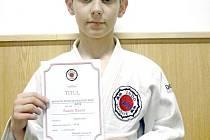 Talentovaný judista ze Závišic Radek Rýpar se v Karviné ukázal opět ve skvělé formě, když bez porážky dokráčel až k titulu krajského přeborníka.