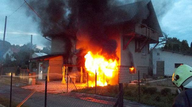 Požár domu ve Věřovicích.