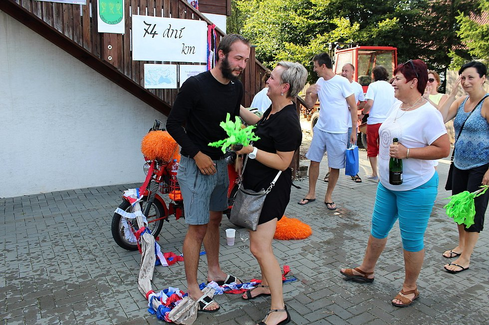Filip Tomášek se v pátek 9. srpna vrátil domů po cestě na babettě do Gruzie.