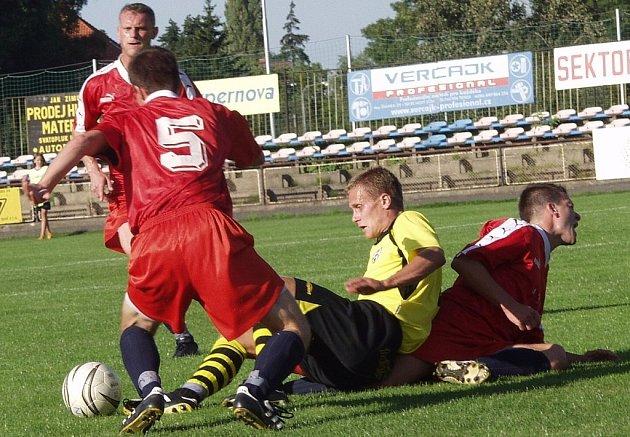 Fotbalisté Jakubčovic zahájili přípravu na jarní část SYNOT TOP krajského přeboru. V něm se utkájí v derby utkání s Novým Jičínem. První měření sil skončilo smírně 1:1.
