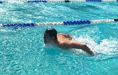 Novojičínský talentovaný plavec Jan Sazovský získal na dorosteneckém mistrovství České republiky čtyři individuální medaile.