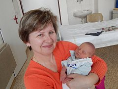 JOHANKA LIPOVSKÁ s babičkou Zdeňkou, Nový Jičín, nar. 5. 1. 2015, 47 cm, 2,50 kg. Nemocnice Frýdek-Místek.