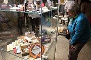 Zboží ukryté v roce 1938 mohou vidět návštěvníci muzea v Příboře. Výstava má stejnojmenný název.