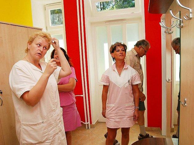 Modernizovaná šatna v Domově pro seniory Bílovec znamená velkou a hlavně příjemnoou změnu především pro personál domova.