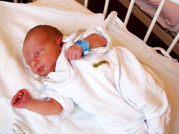 Jeroným Haitl, nar. 9. 7. 2010, 45 cm, 2,52 kg, Hranice n. Moravě, nemocnice Nový Jičín