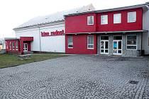 Bílovecké kino Radost bude ještě v tomto roce digitalizováno. Město postupně profinancuje více než tři miliony korun, za to si budou moci návštěvníci vychutnat kvalitní zvuk i obraz, včetně 3D.
