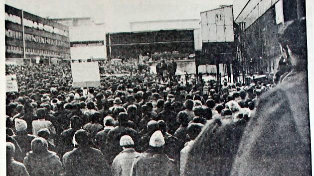 Manifestační generální stávka 27. listopadu 1989 v Tatře Kopřivnici.