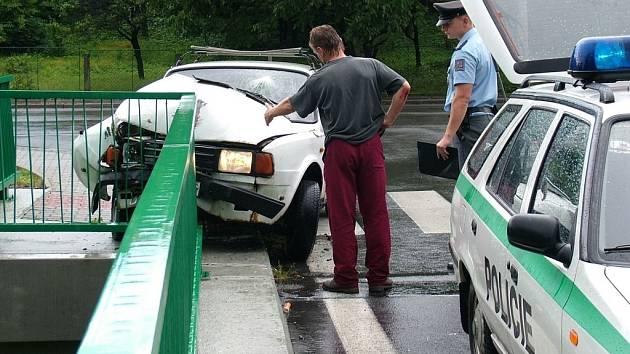 Někdy může nehoda řidiče pod vlivem alkoholu skončit i takto.