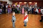 Maškarní ples, tentokrát na téma Pirátská výprava za pokladem v kulturním domě ve Slatině.