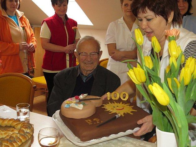 Uživatel Domova Odry, pan Ferdinand Poulíček, slaví v těchto dnech významné životní jubileum.