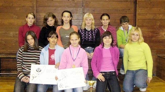 Fotbalistky Štramberka dovezly medaile.