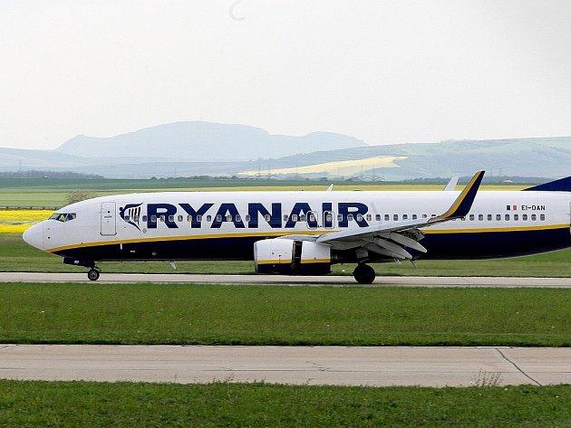 Nízkonákladový dopravce Ryanair.