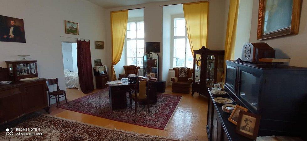 Panské pokoje byly dovybaveny nábytkem.