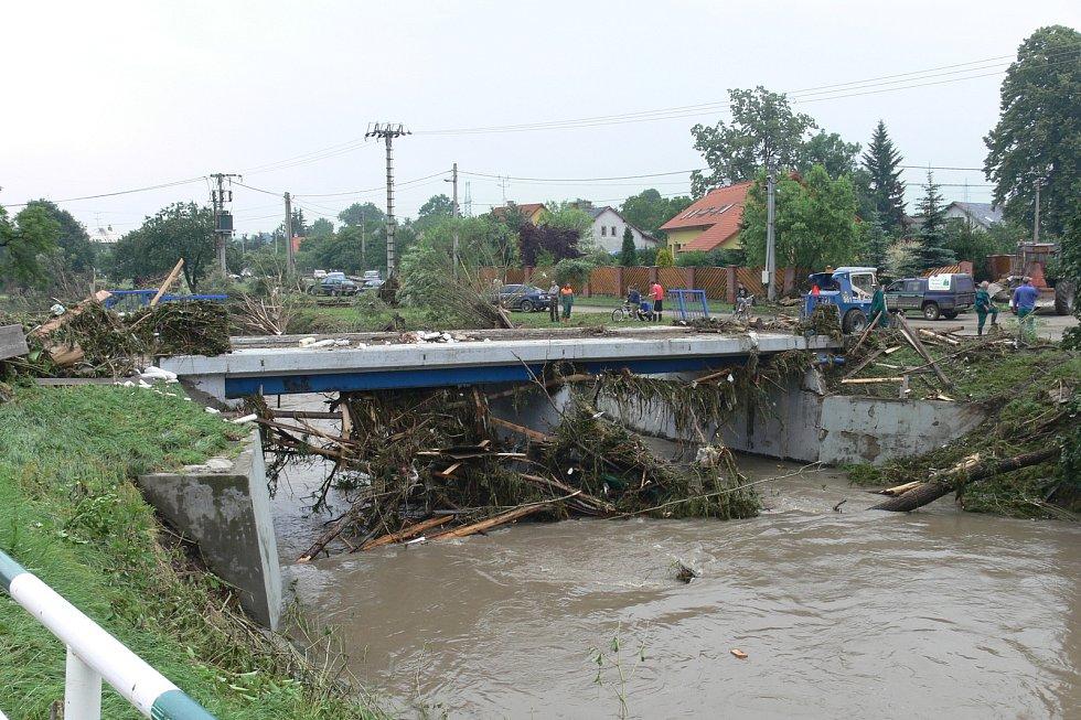 Takto to vypadalo na některých místech poté, co se Novojičínskem převalila záplavová vlna.