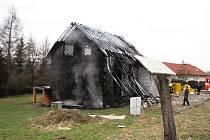 Požář nízkoenergetického rodinného domu v Novém Jičíně-Žilině.