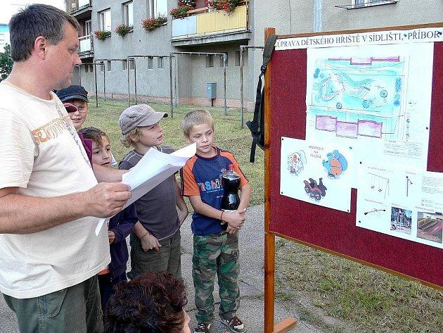 Projekt dětského hřiště na sídlišti U Tatry v Příboře zůstal jenom na papíře. Loni v září vylo přitom vše na dobré cestě.