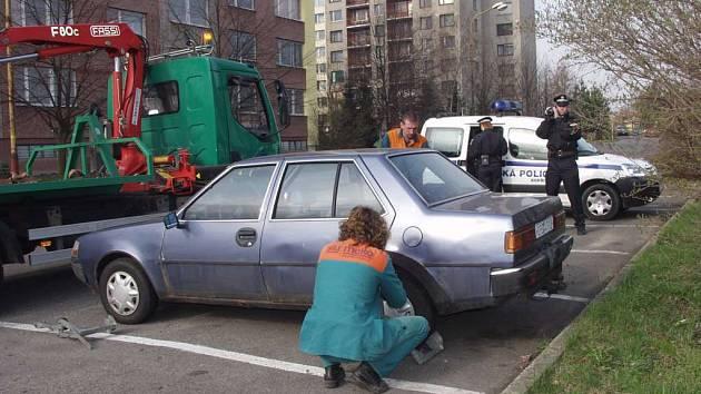 Se špatným majákem na služebním voze jezdí strážníci Městské policie z Kopřivnice.