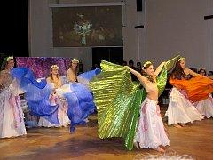 Taneční parket ve velkém sále Kulturního domu Příbor rozvířili o první květnové sobotě tanečníci.