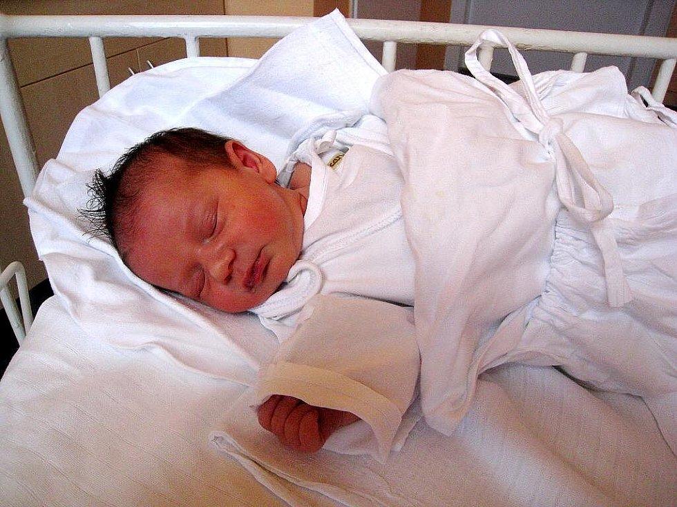 Tereza Škeříková, nar. 23. 8. 2010, 48 cm, 3,07 kg, Jakubčovice n. Odrou, nemocnice Nový Jičín.