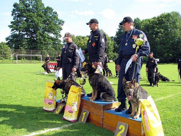 Krajský přebor policejních psů Severomoravského policejního ředitelství skončil ve čtvrtek odpoledne v Bartošovicích.