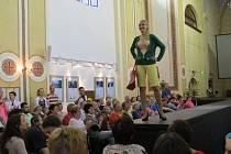 Kostel sv. Josefa ve Fulneku se v sobotu 21. května opět po roce proměnil v centrum módy.