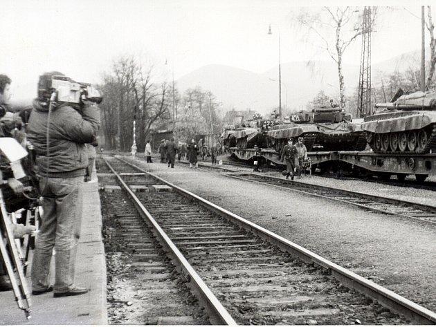 Sovětská vojska přijela do Frenštátu pod Radhoštěm 22.ledna 1969.První vlaková souprava stanky a další technikou vyrazila změsta směrem na východ 26.února 1990, přesně na den oměsíc později město opustil poslední sovětský voják.